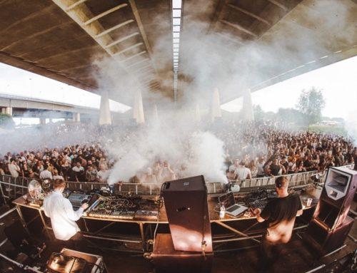 BY THE CREEK FESTIVAL 2018 UTRECHT: RAVEN ONDER EEN BRUG MET TOP DJ'S