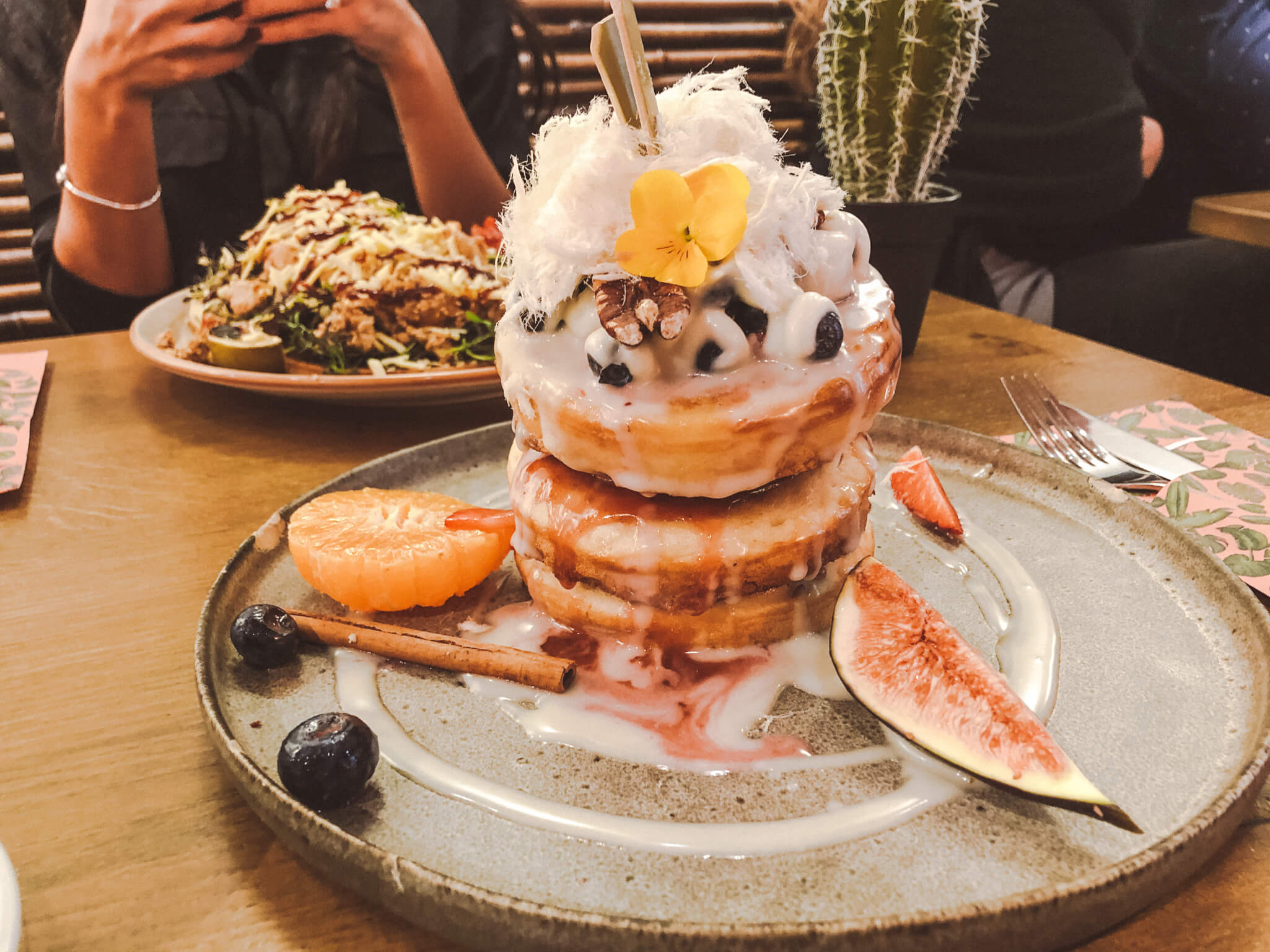MR. STACKS AMSTERDAM: BUBBLE TEA EN VEGAN PANCAKES IN DE PIJP